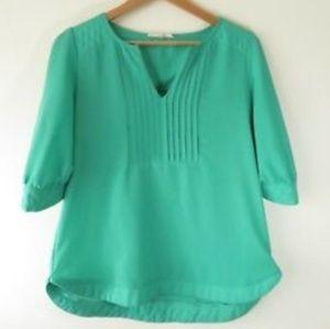 Cute comfortable green blouse!!